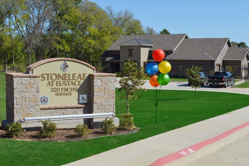 Stoneleaf_at_Eustace-01